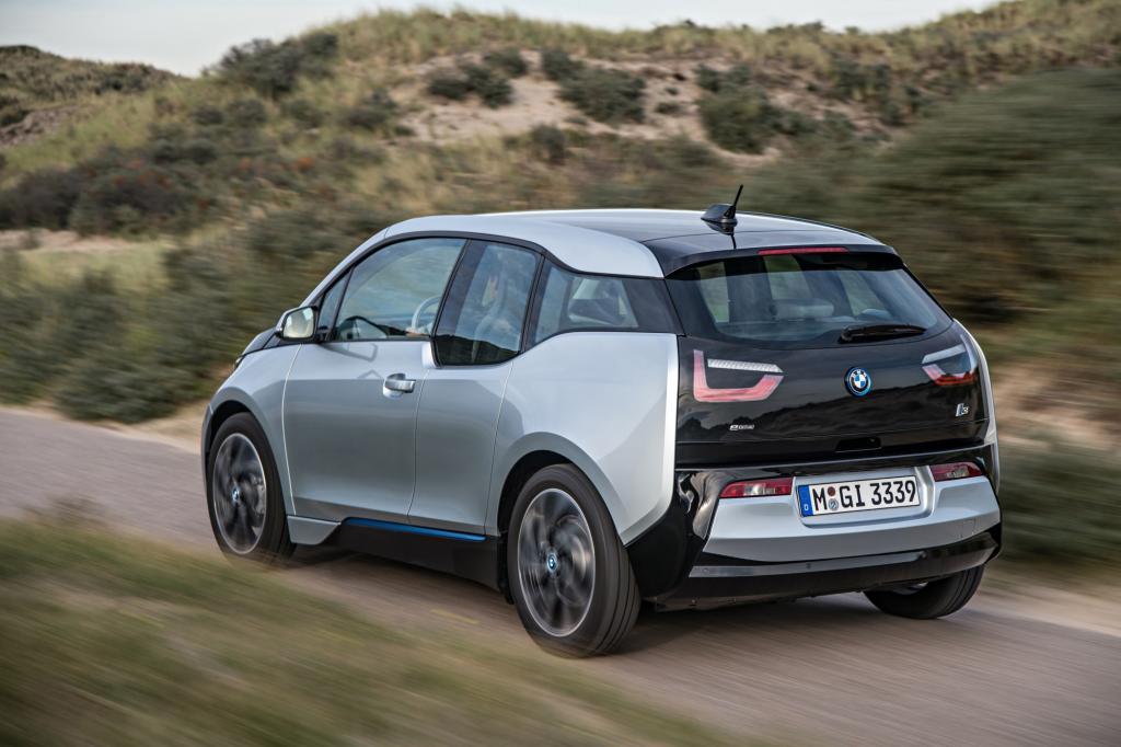 Mit einer Länge von 3,99 Metern zählt der BMW zu den Kleinwagen.