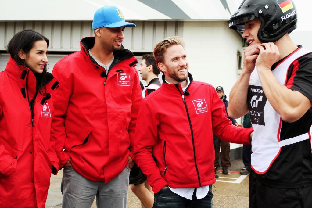 Nürburgring: Nissan mit