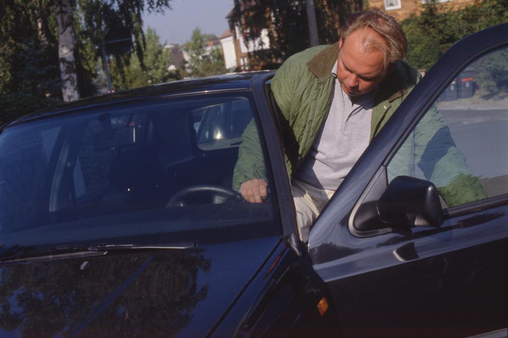 Nach Schlaganfall wieder Autofahren?