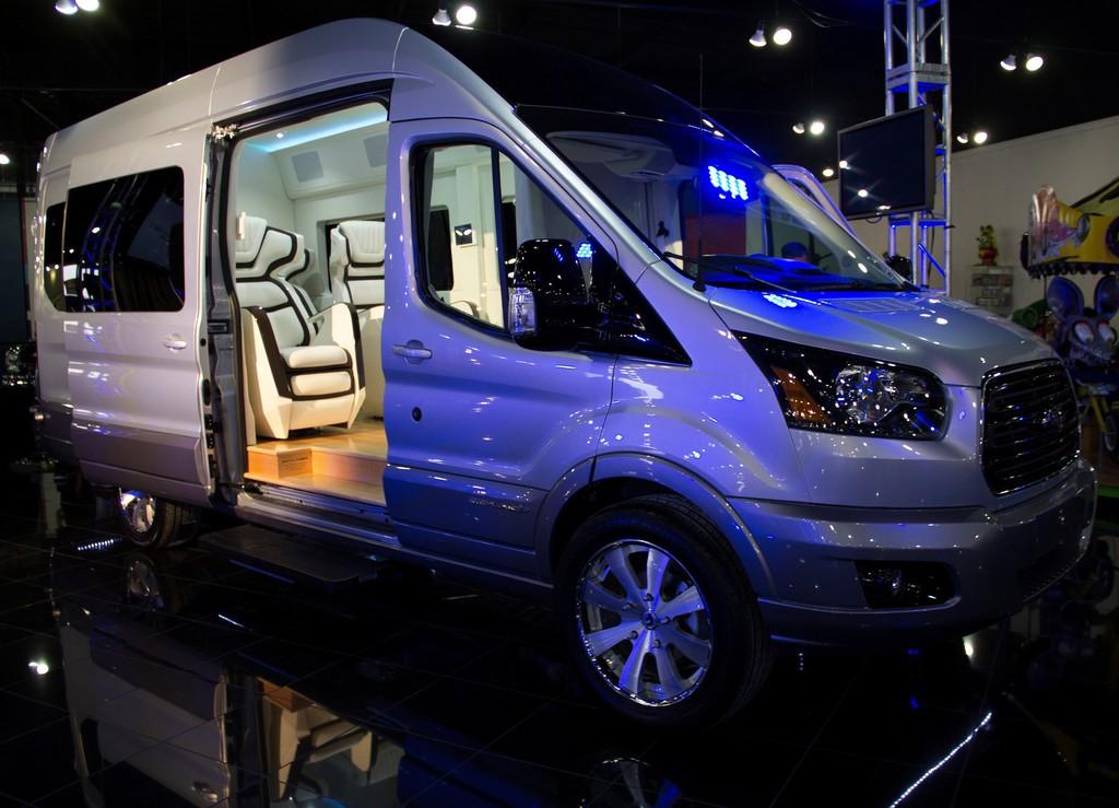 New York 2014: Ford Transit als Luxusliner