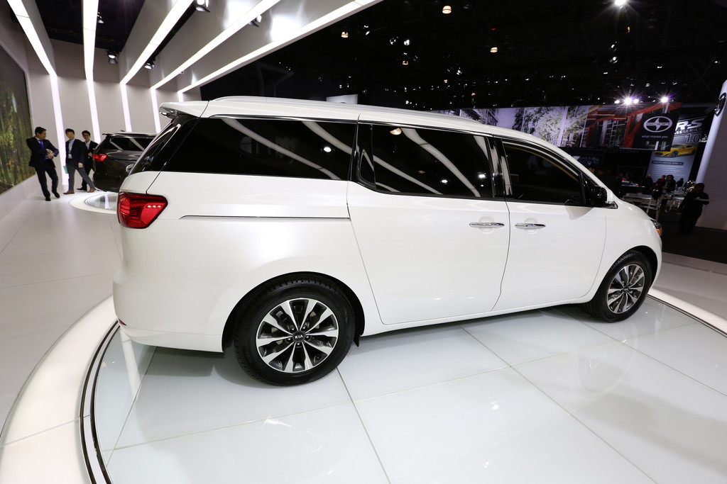 New York 2014: Kia mit großem Van