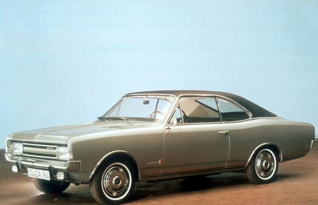 Opel schickt zwei besondere Rekord-Modelle an den Bodensee