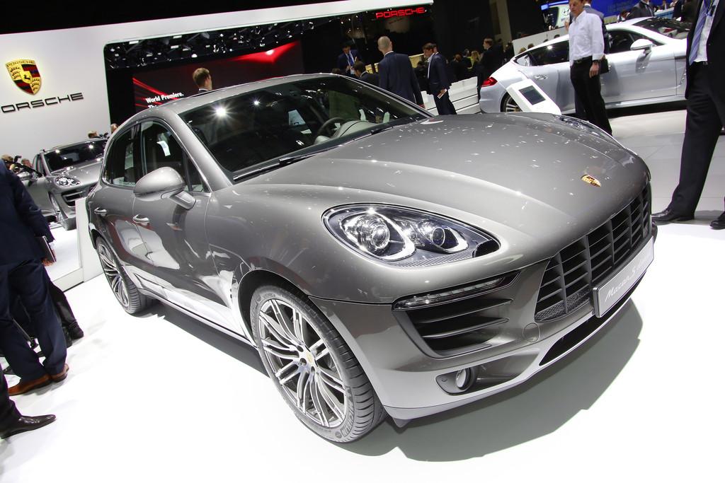 Porsche-Dokumentationen zu Le Mans und zum Macan