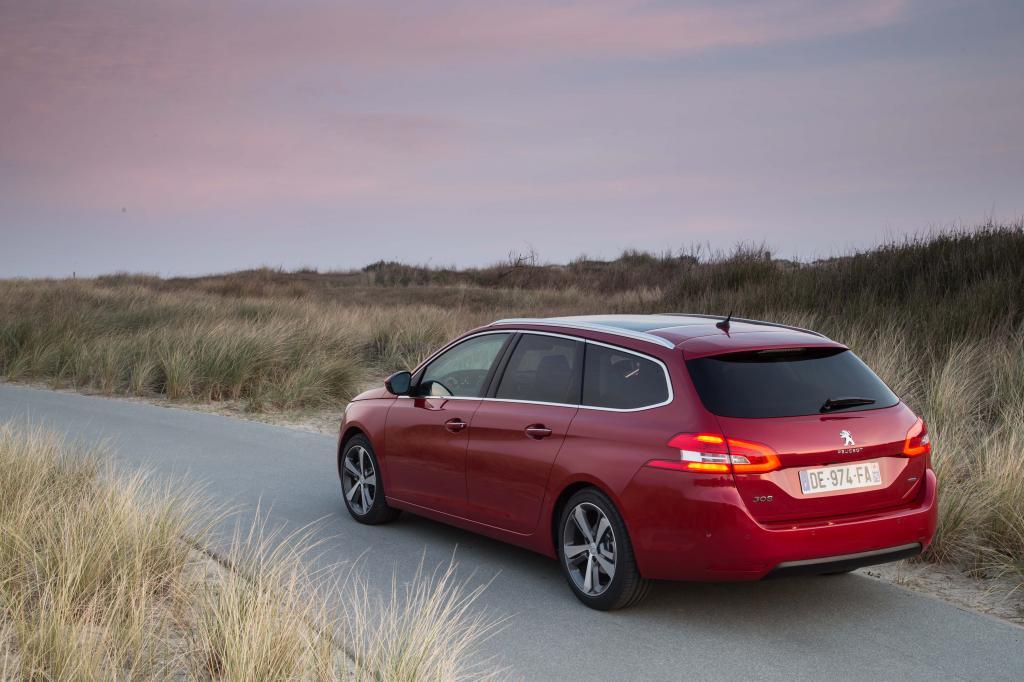 Sechs Monate nach Debüt der zweiten 308-Generation liefert Peugeot den Kombi nach