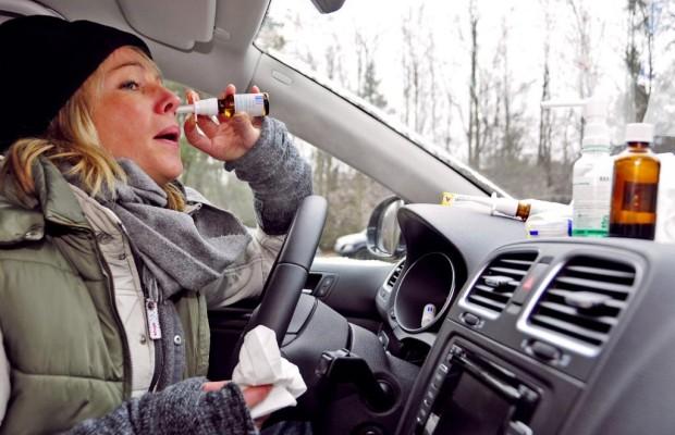 Umfrage: Autofahren mit Heuschnupfen -  Oft gefährdet hinters Steuer