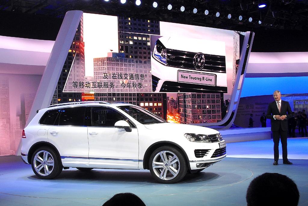 VW-Entwicklungschef Heinz-Jakob Neußer stellt den neuen Touareg vor.