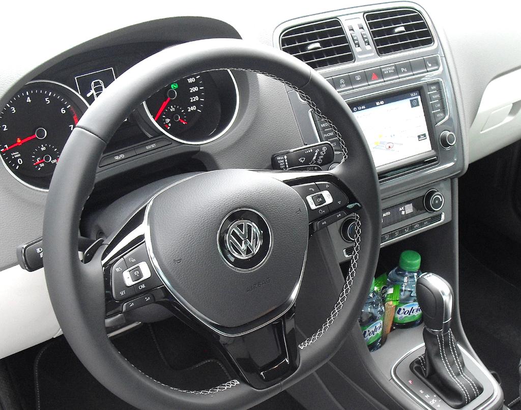 VW Polo: Blick ins übersichtliche Cockpit.