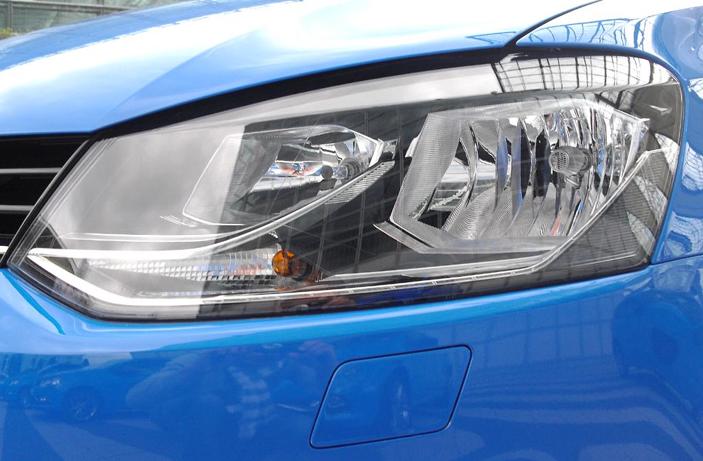 VW Polo: Moderne Leuchteinheit vorn.