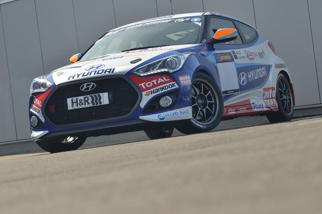 Veloster geht auf dem Nürburgring in die zweite Runde
