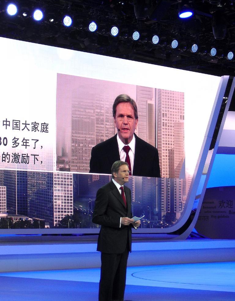 Volkswagens China-Vorstand Jochem Heizmann bei der Pekinger Autoschau.