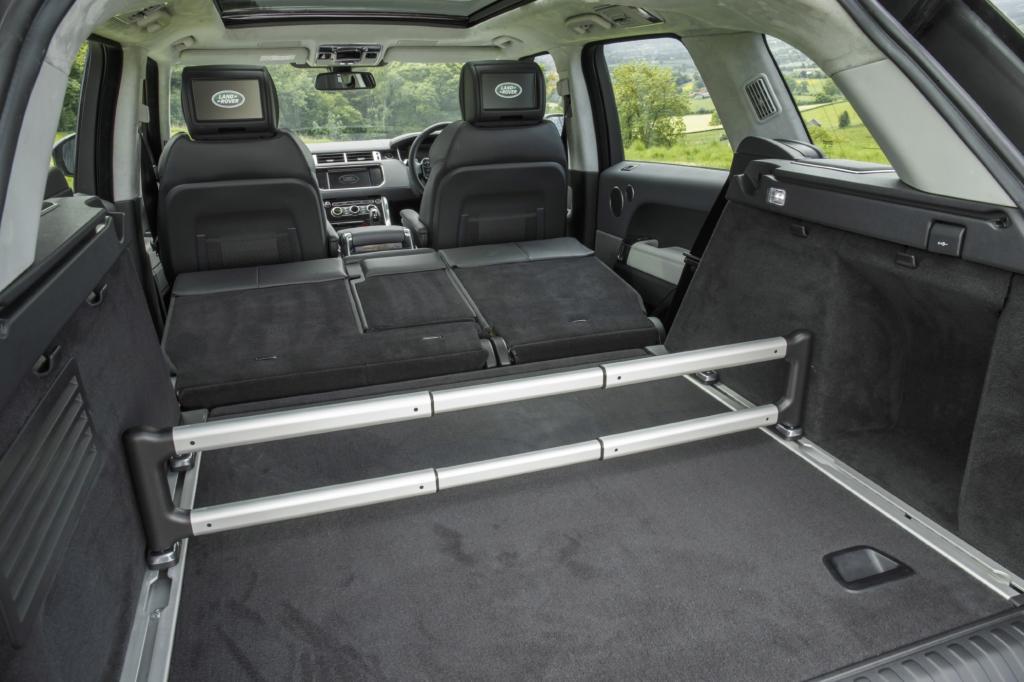 """Vom edlen Schwestermodell Range Rover hat der """"Sport"""" die Voll-Aluminium-Karosserie übernommen, das Leichtmetall kommt nicht nur auf der Außenhaut, sondern auch in der Struktur zum Einsatz."""