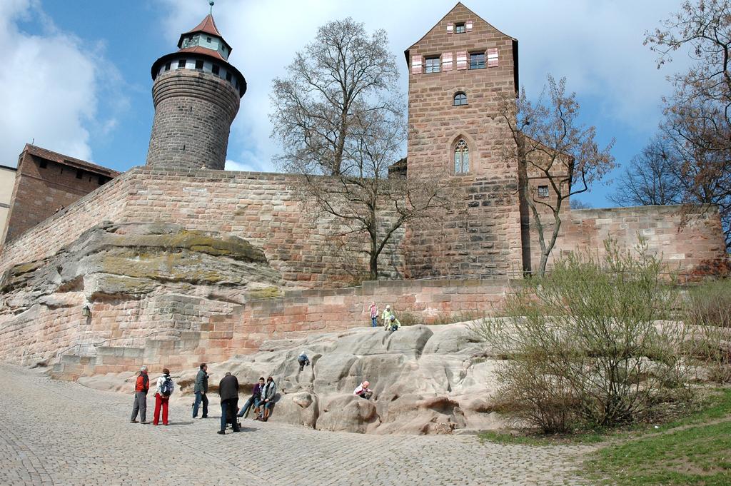 Wahrzeichen: Nürnbergs Burg liegt auf einem Sandsteinrücken.