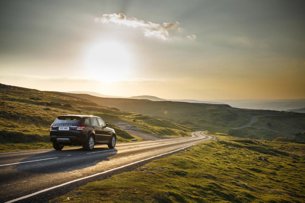 """Zunächst einmal ist der """"Sport"""" ein echter Range, wird also vom 14 Zentimeter längeren Edel-Geländewagen Range Rover abgeleitet."""