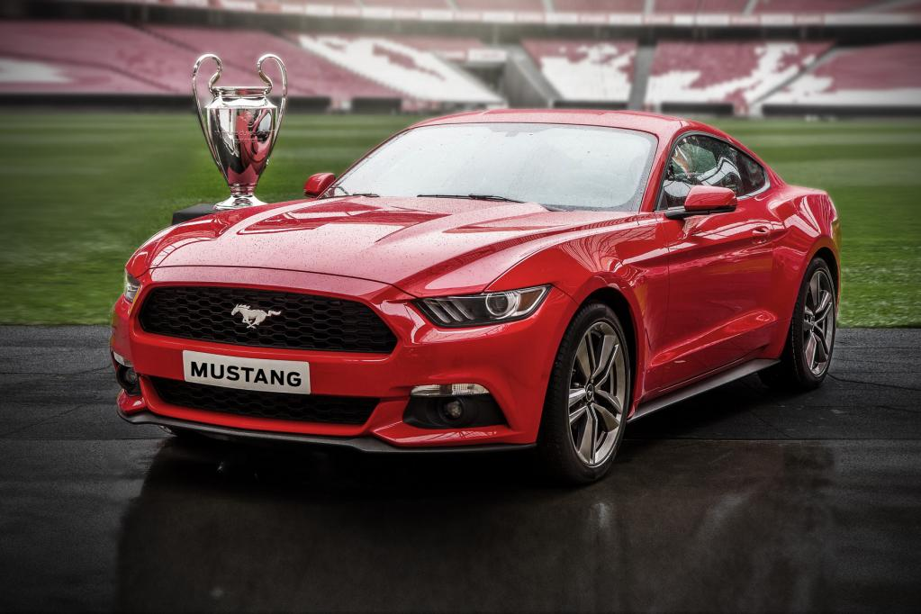 500 Ford Mustang zum Champions League Finale