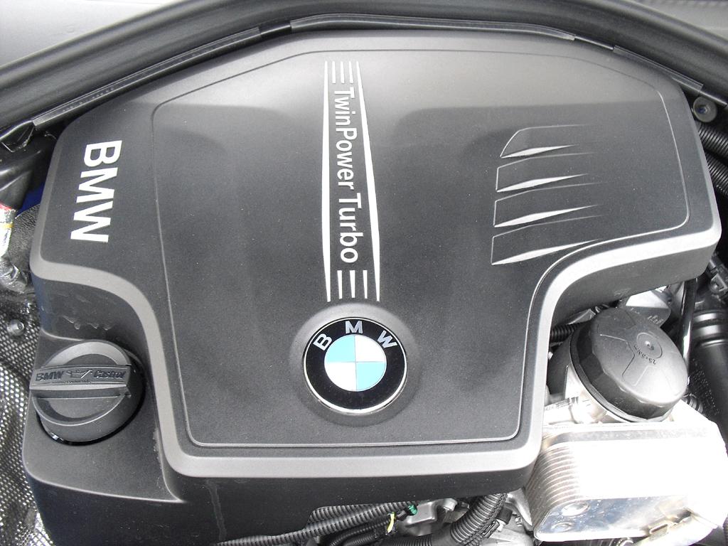 BMW 4er Gran Coupé: Blick unter die Haube, hier beim Benziner 428i.