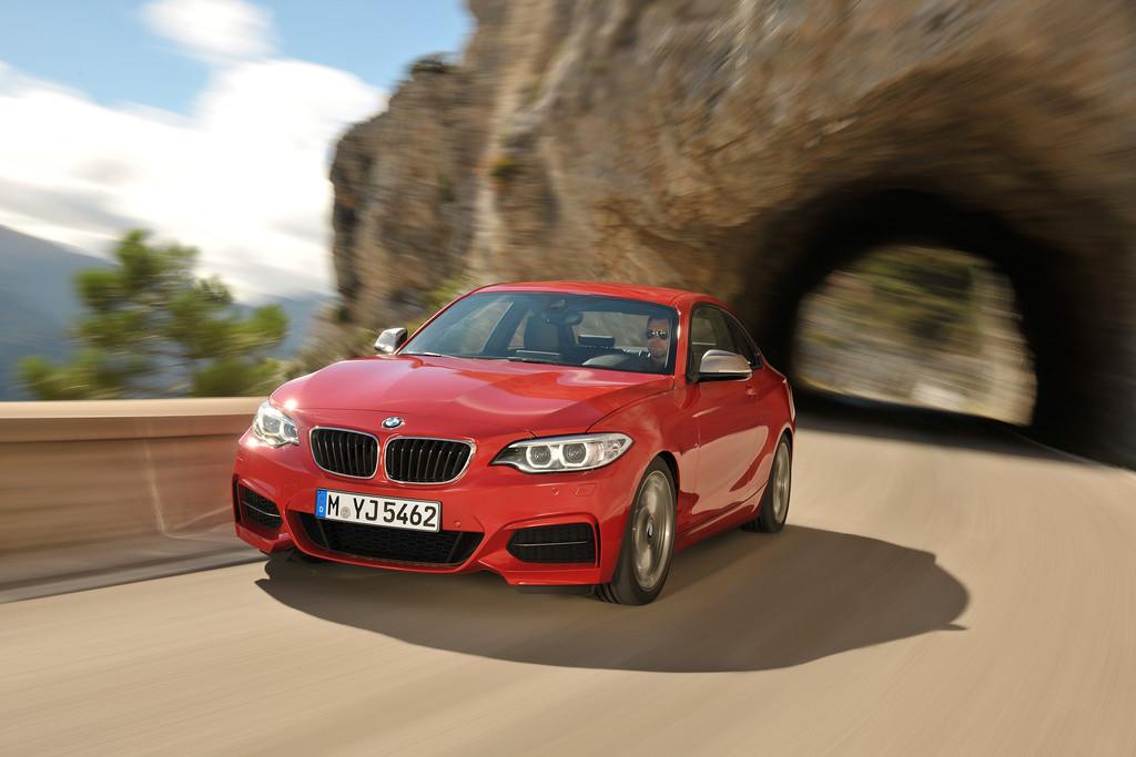 BMW M235i bekommt Allradantrieb