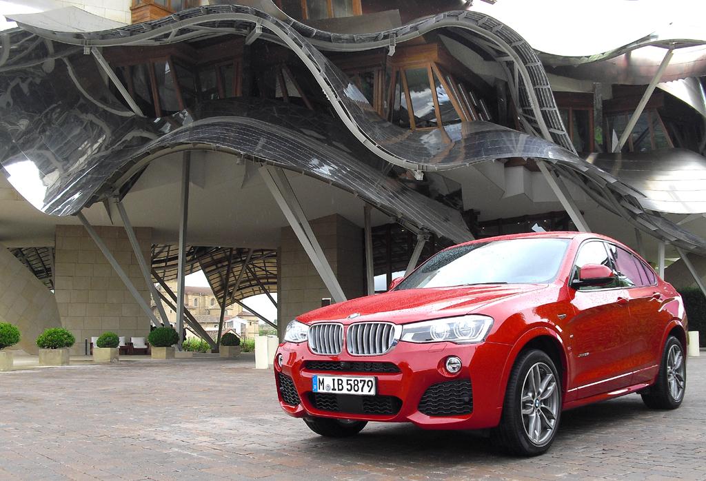 BMW X4: Motormäßig stehen drei Turbobenziner und drei Turbodiesel zur Wahl.