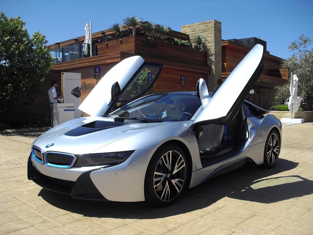 BMW i8: ... und so, wenn die beiden Flügeltüren geöffnet sind.