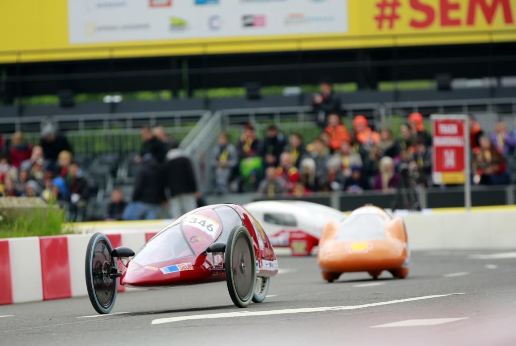 Beim Eco-Marathon treten Spritsparautos gegeneinander an - hier die Ausgabe von 2013