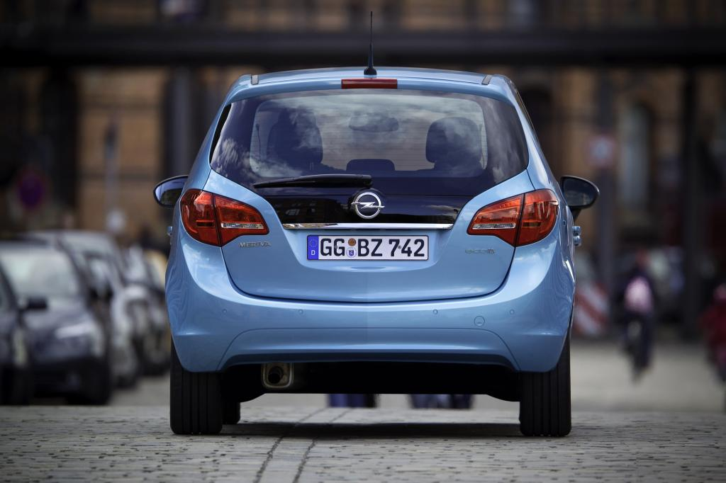 Beim Meriva B liefert nicht mehr der Kleinwagen Corsa die technische Basis, sondern viele Teile kommen vom Astra