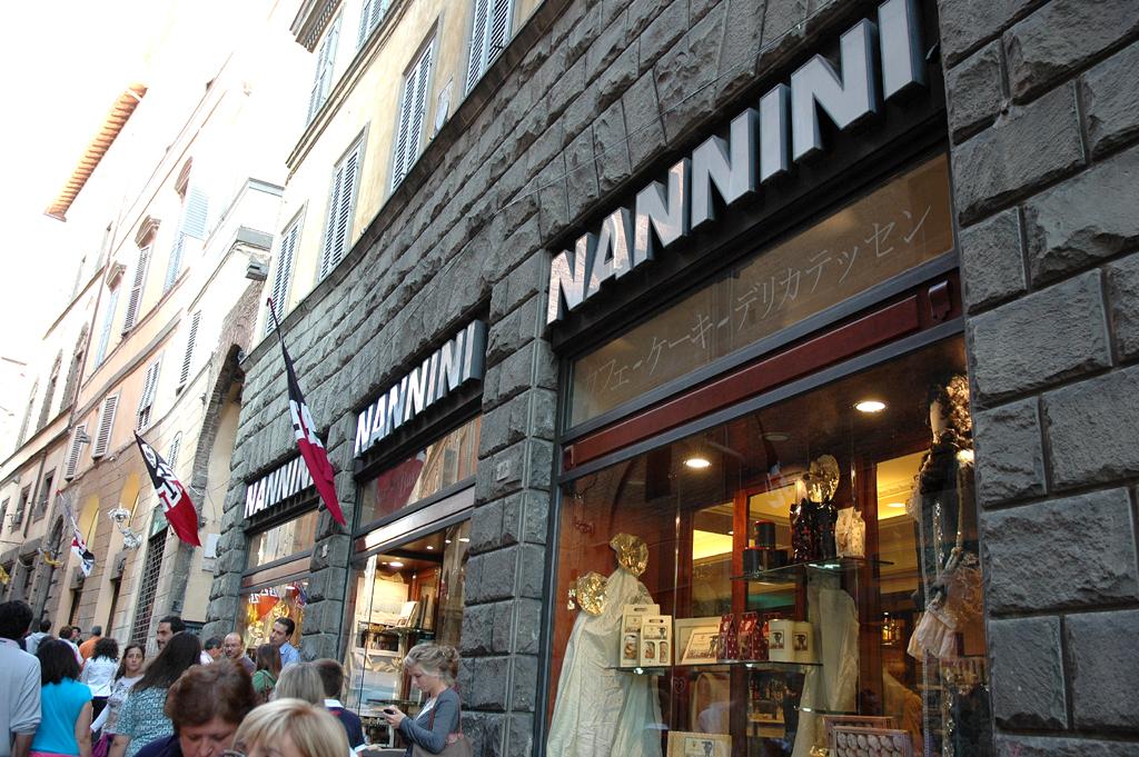 Beispiel für eine typisch italienische Café-Bar: Nannini in Siena.
