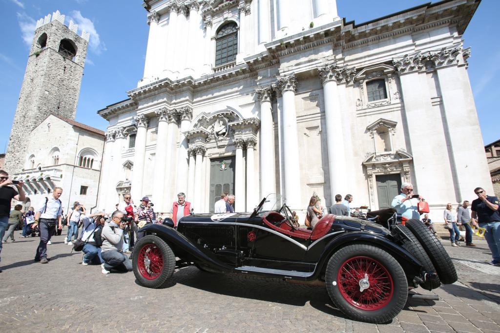 Bereits seit 1977 startet die heutige touristische Mille Miglia jedes Jahr im Mai im Gedenken an die originale Mille Miglia.