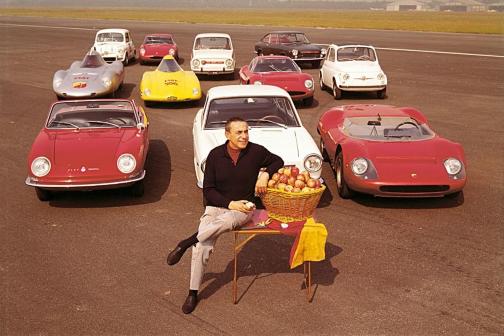 Carlo Abarth mit Programm zum Modelljahr 1965