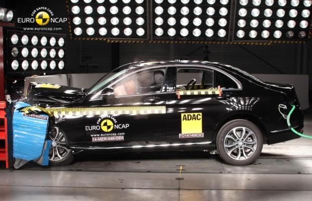 Crashtest: Bestwertung für Mercedes C-Klasse