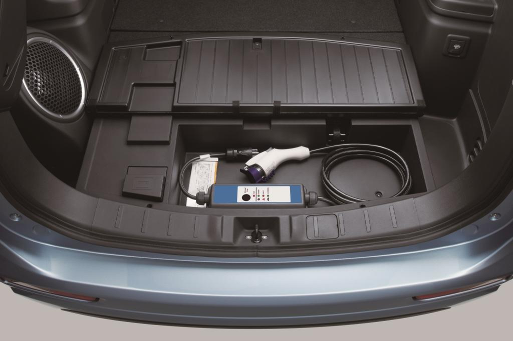 Das Ladekabel findet sich im Kofferraum