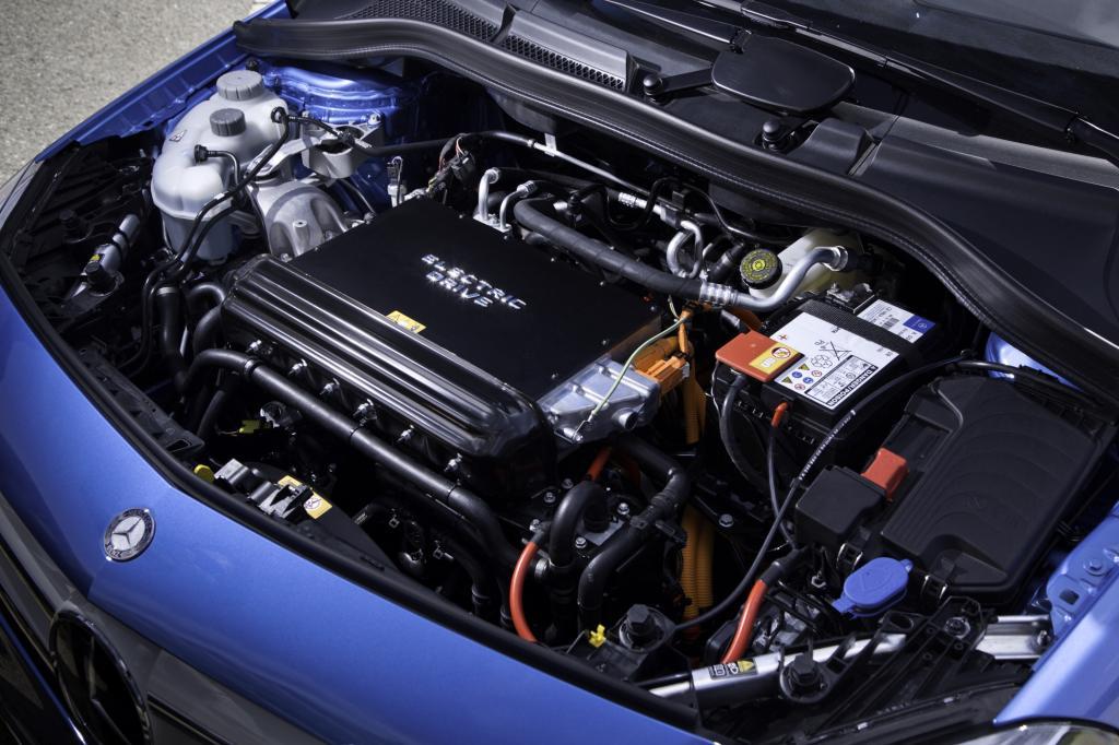 Der E-Motor kommt von Tesla und liefert 180 PS