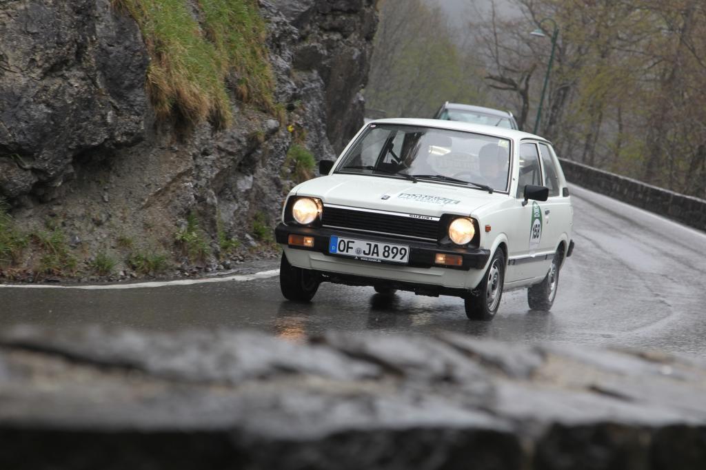 Der Wettergott meint es am 3. Rallyetag nicht gut mit uns. Ausgerechnet auf der Bergetappe startet der Tag mit Regen
