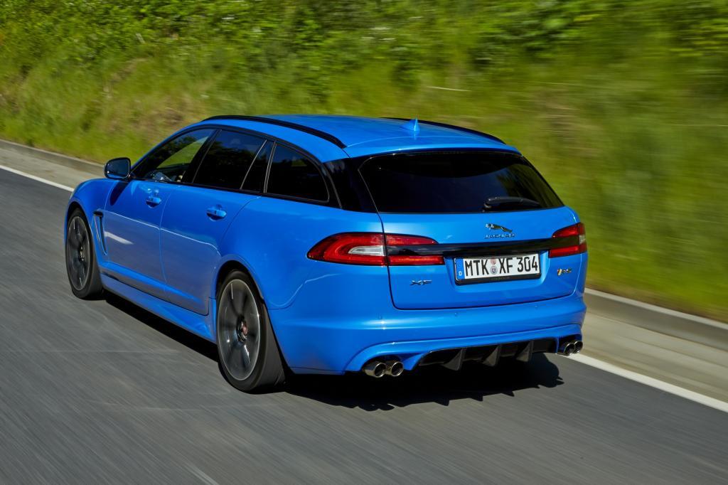 Der XFR-S tritt gegen gleichstarke Fünftürer von Mercedes-AMG und Audi an, wird aber ebenso wie seine deutschen Rivalen eine seltene Erscheinung bleiben