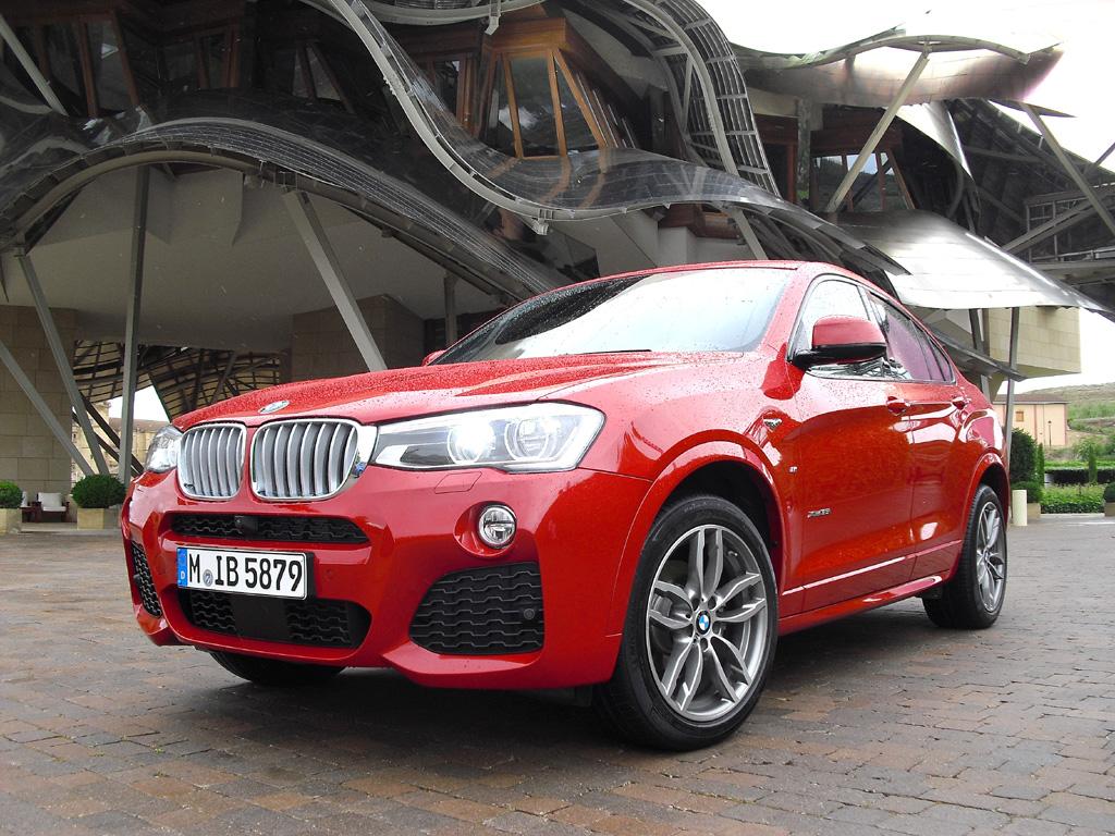 Der neue BMW X4 mit Allradantrieb baut technisch auf dem X3 auf.