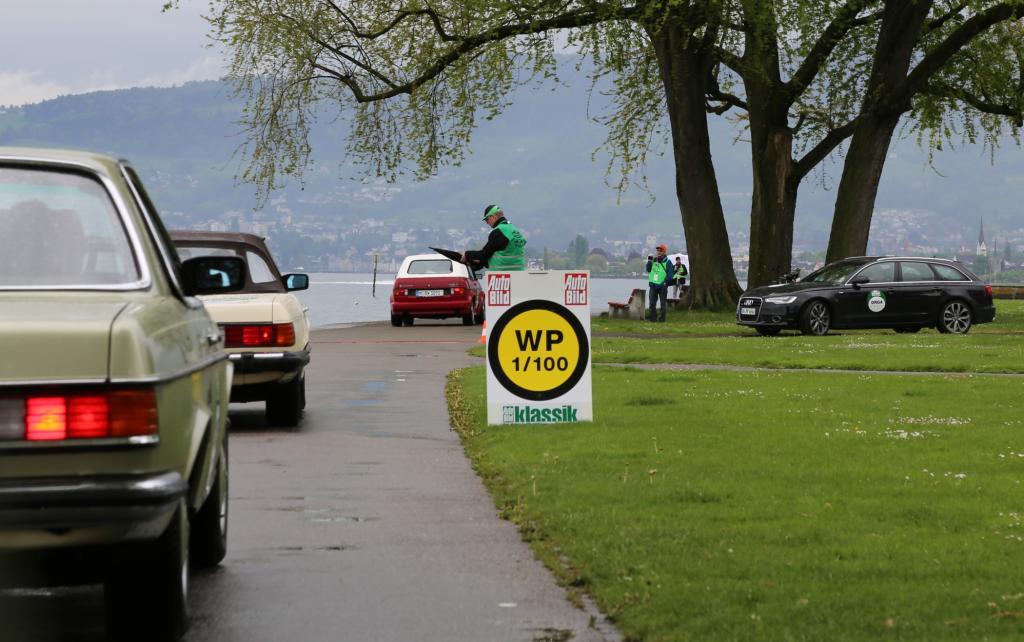 Die nächste Wertungsprüfung steht an. Näher kommt in Arbon keiner mit seinem Auto an den Bodensee ran