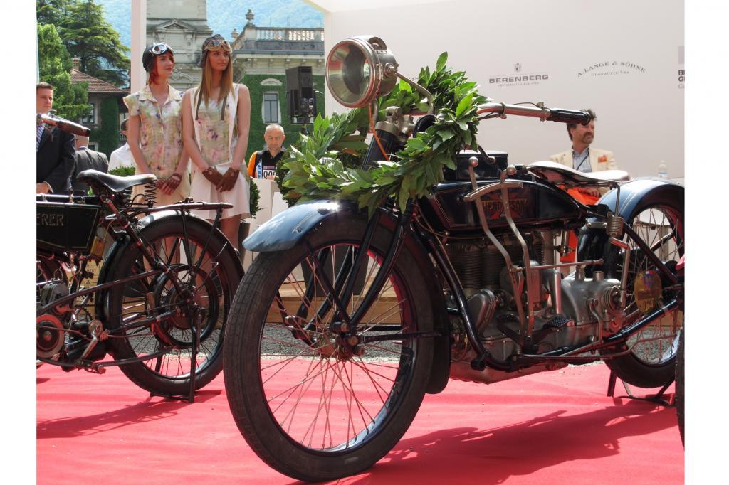 """Einen Lorbeerkranz bekam die Henderson Model K von 1920 als Siegerin der Klasse """"The Great Gatsby"""""""