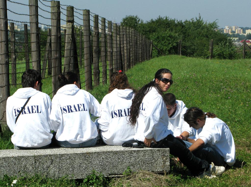 Für junge Israelis ist der Aufenthalt in Majdanek Pflicht.