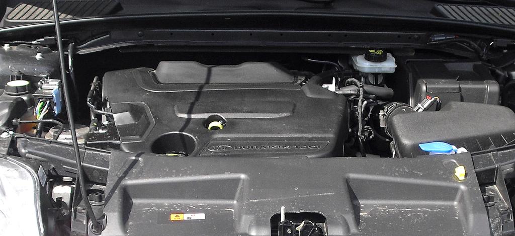 Ford Mondeo: Blick unter die Haube auf den 2,0-Liter-Vierzylinder-Selbstzünder.