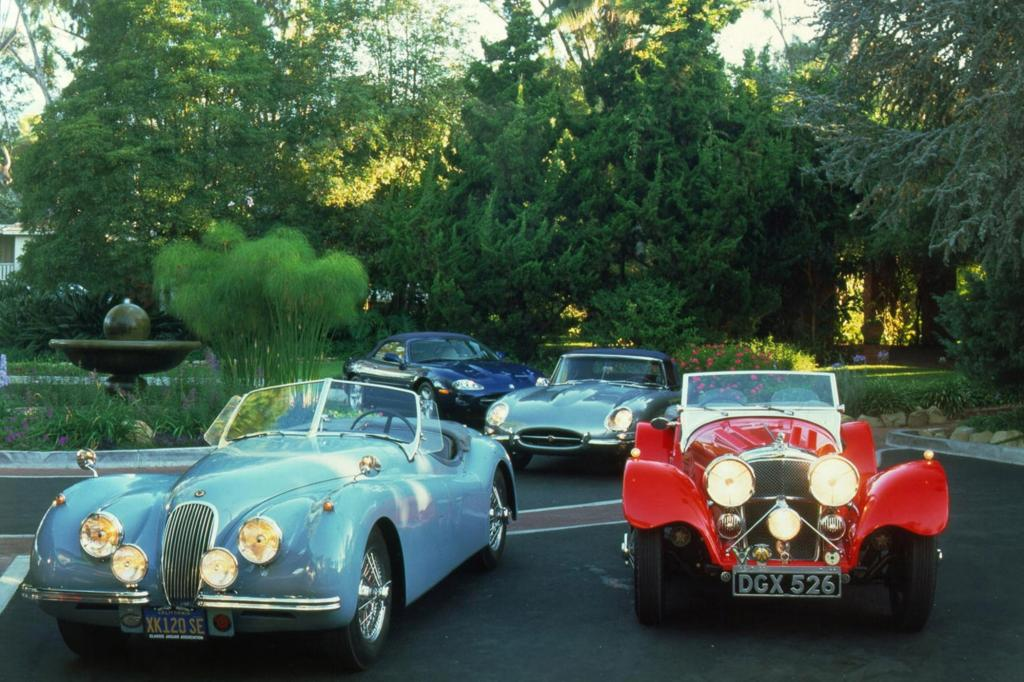 Generationentreffen: Jaguar XK, Jaguar SS und Jaguar E-Type und Jaguar XK 8