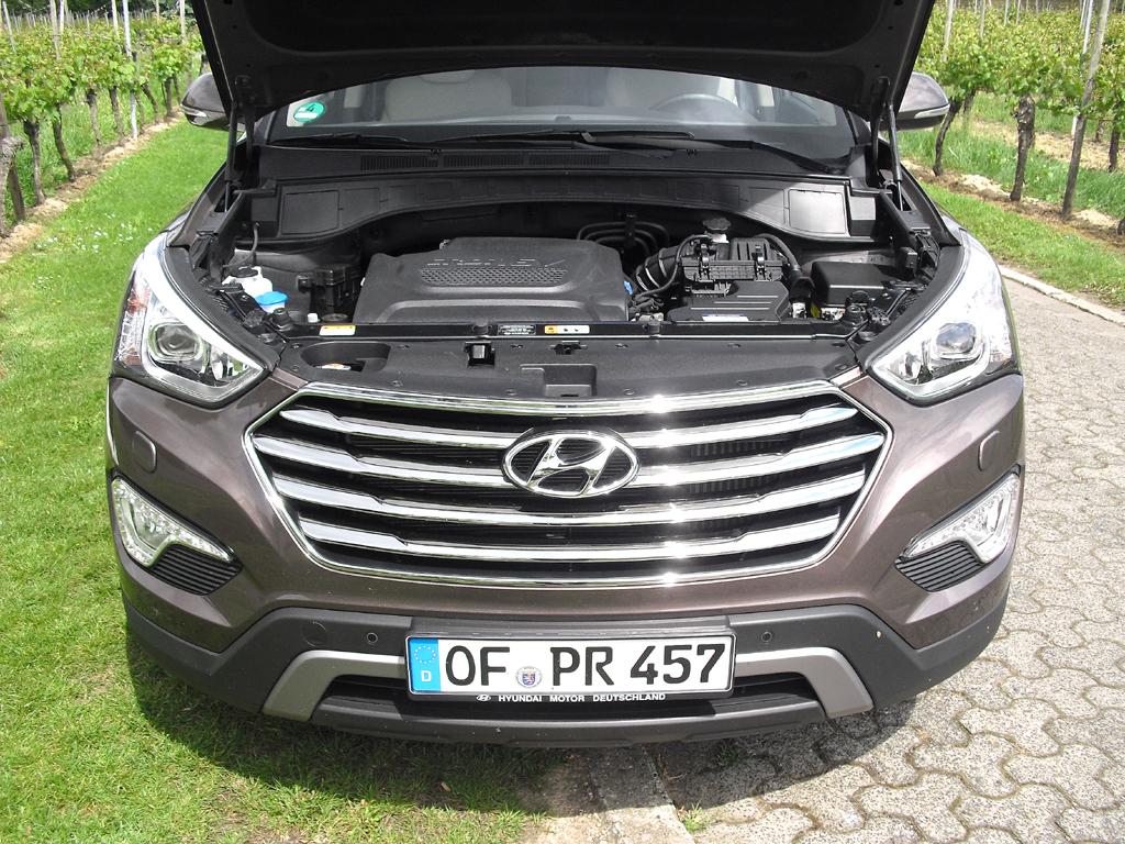 Hyundai Grand Santa Fe: Als einzige Motorisierung steht ein 2,2-Liter-Diesel zur Verfügung.