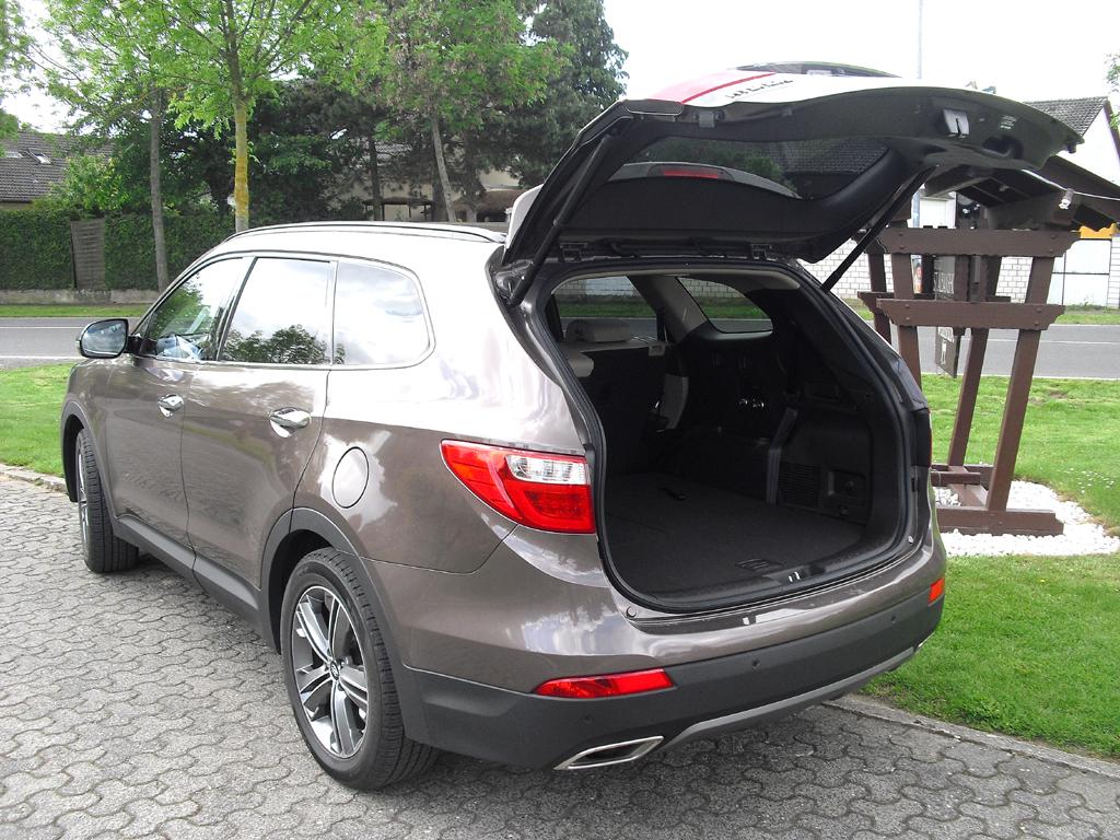 Hyundai Grand Santa Fe: Das Gepäckabteil fasst 637 bis 1842 Liter.