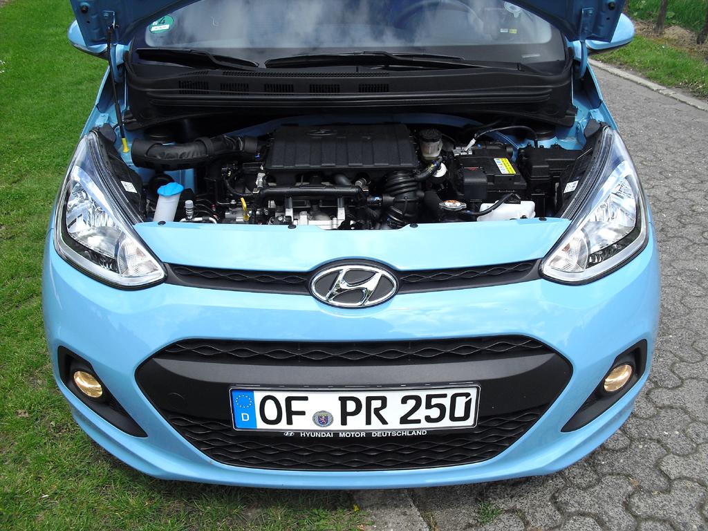 Hyundai i10: Blick unter die Haube auf den 1,0-Liter-Dreizylinder-Basisbenziner.