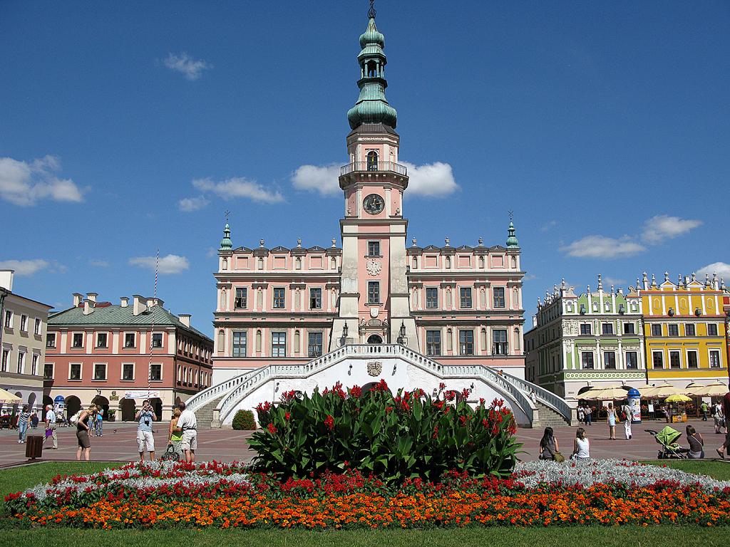 In Polens Osten: Marktplatz von Zamosc.
