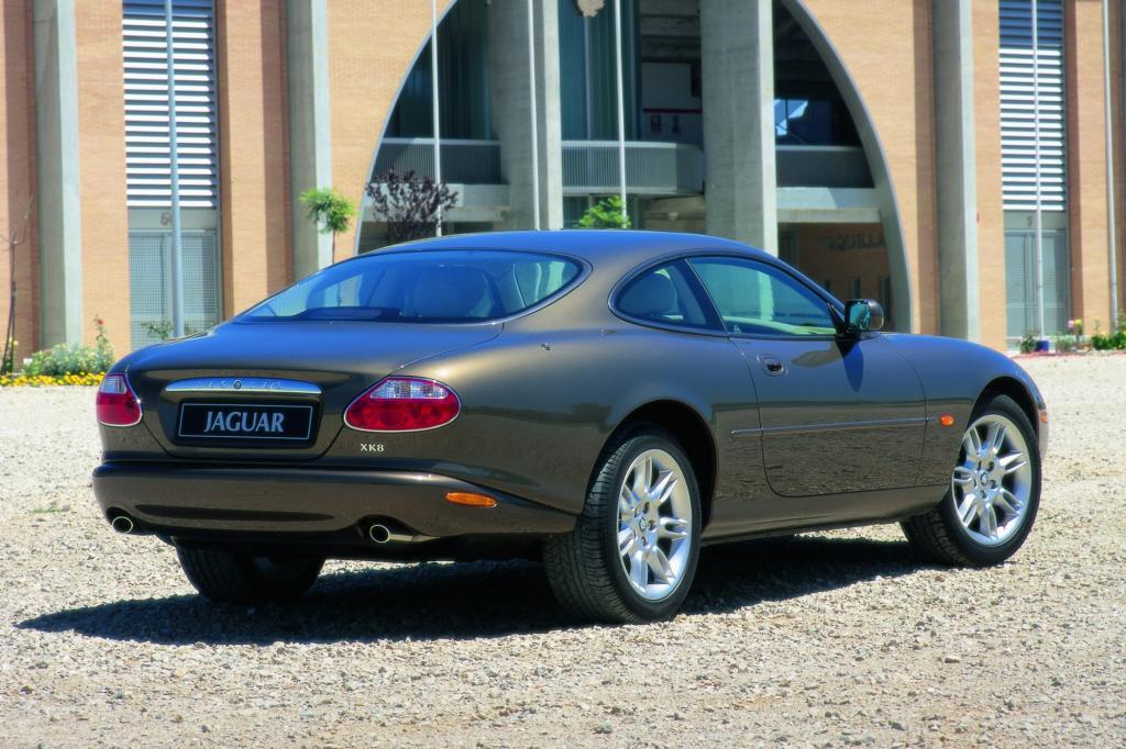 Jaguar XK 8 Coupe 2001