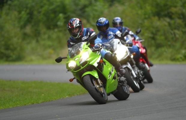 Junge Fahrer mit starken Motorrädern besonders gefährdet