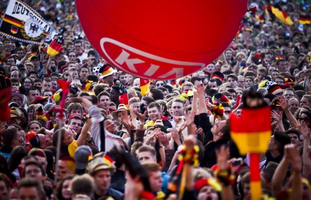 Kia-Fan-Arena Hamburg: WM-Spiele wie im Stadion erleben