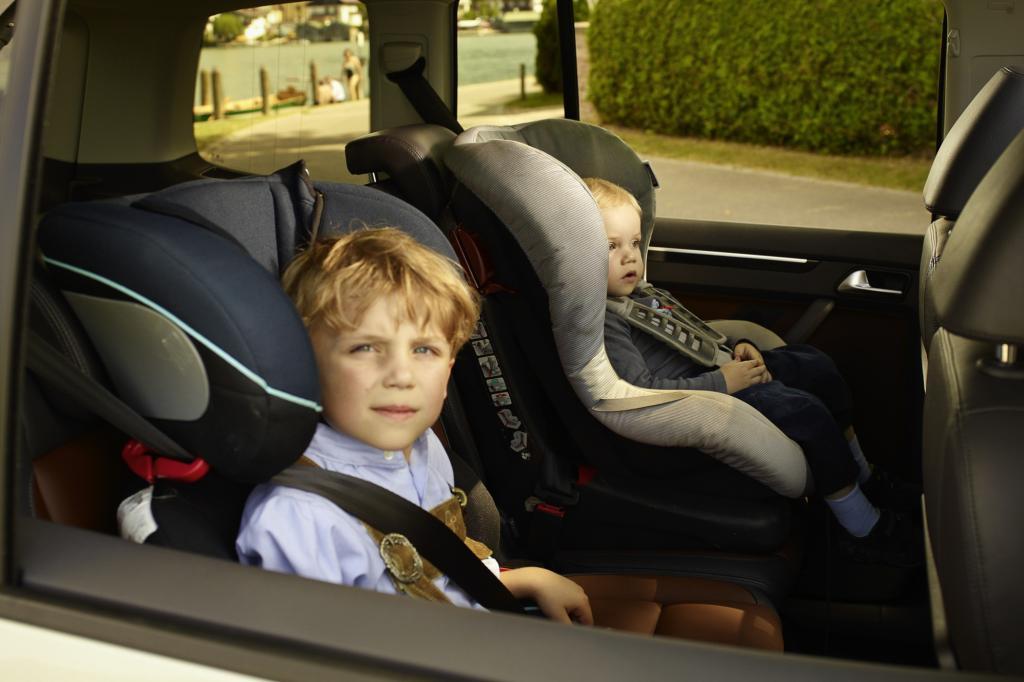 Kindersicherheit im Auto - Vorbild Schweiz