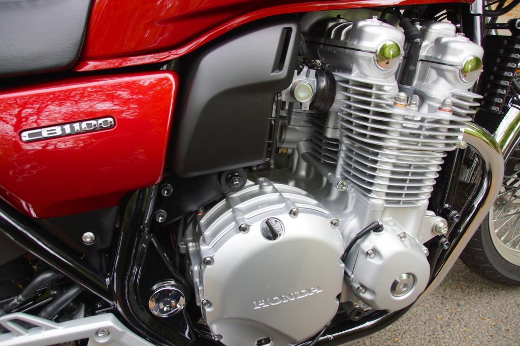 Mit klassischem DOHC-Layout erinnert der 1.140 ccm-Vierzylinder an den Urahn CB 750 Four von 1968