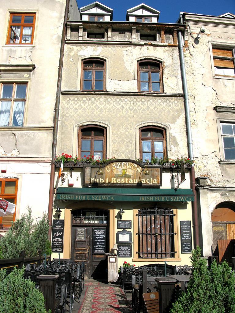 Mit teils morbidem Charme: In Lublin bröckeln mitunter die Fassaden.