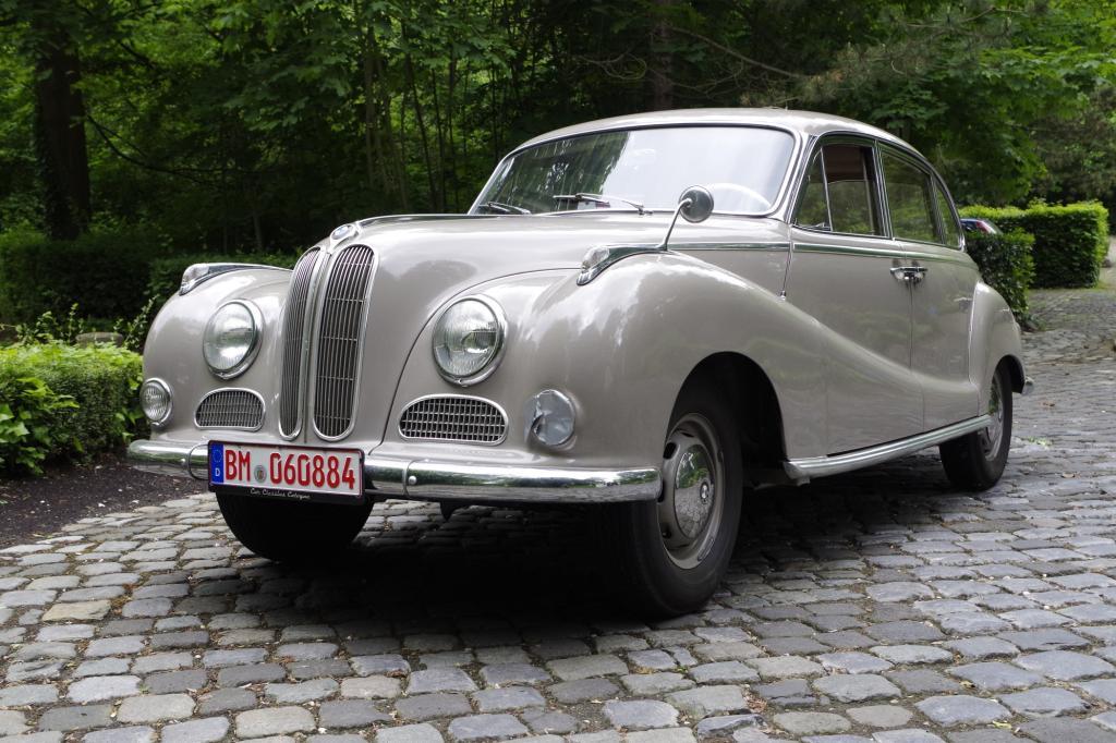 Oldtimer-Fahrbericht: BMW 501/502 - Wenn Engel fahren