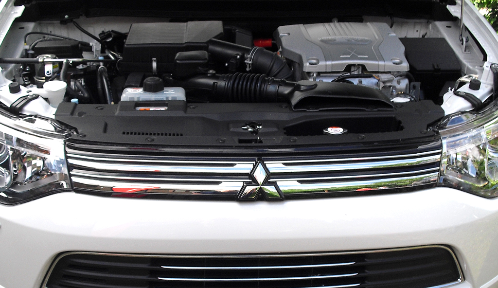 Outlander Plug-in-Hybrid: Blick unter die Haube.
